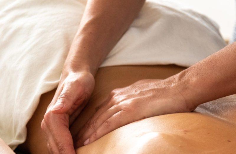 ayurveda massage soin bilan dosha huile sésame